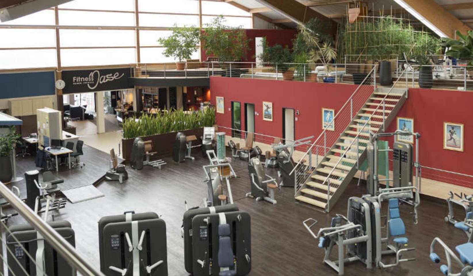 Fitnessstudio geräte  Fitnessstudio B Fit Langdorf